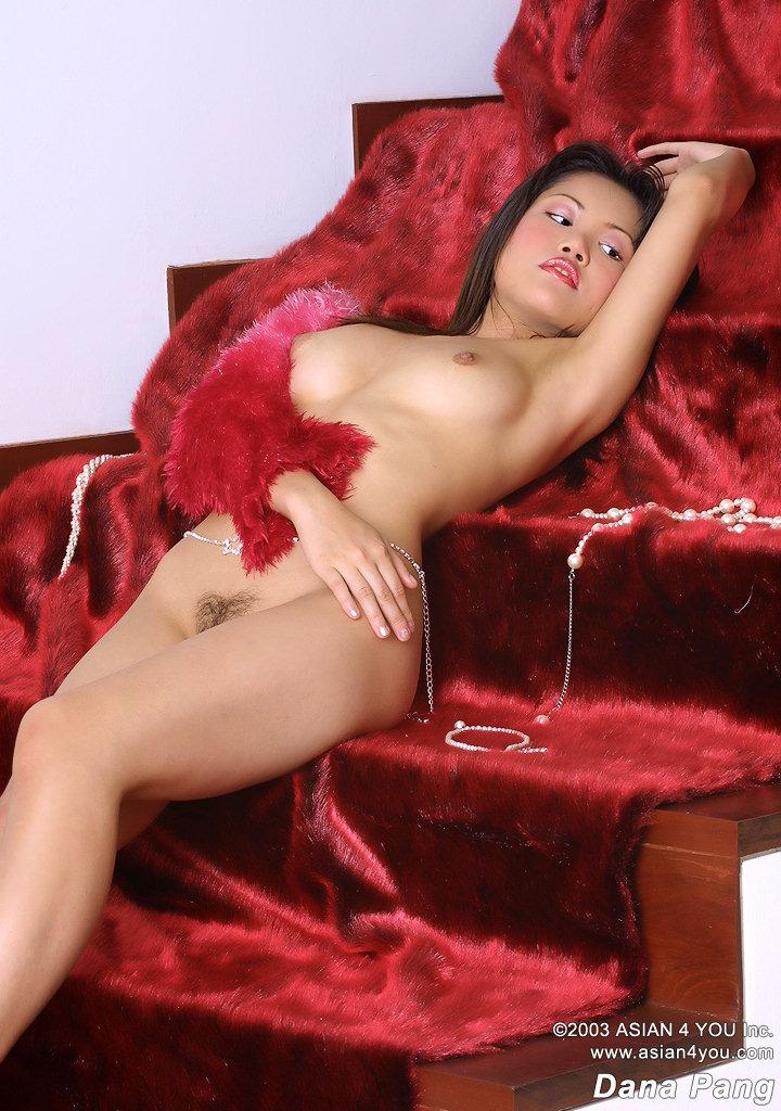 Gunilla hutton nude
