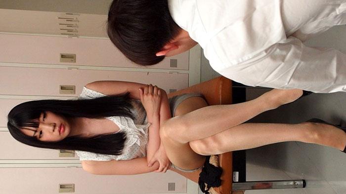 鈴木心春 8 タイトスカート女教師 鈴木心春