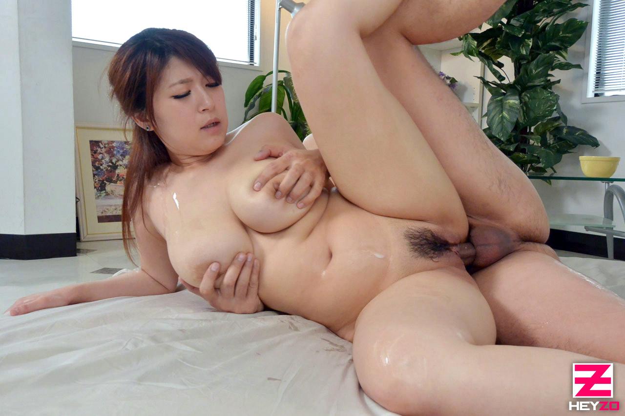 Heyzo Rina Araki 荒木りな 0583 揺れて跳ねるデカパイ ...